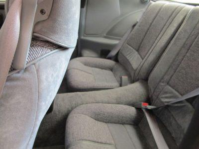 1991-R7U-10k-interior-back-seat