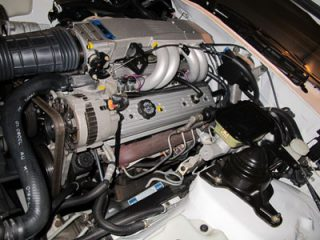 1LE-R7U-10k-engine-shot
